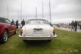 Back of Jaguar S-Type 3.4 Manual, 213ps, 1966 at Veteranbilsträff i Vikens hamn  2019 Maj