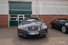 Front  of Jaguar XF 2.7 V6 Automatic, 207ps, 2009 at Joe's garage 2019´s stora Jaugurevent