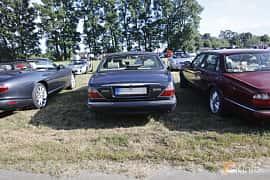 Back of Jaguar XJ 4.0 V8 Automatic, 284ps, 1999 at Tisdagsträffarna Vikingatider v.21 / 2018