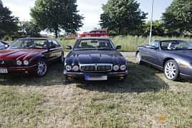 Front  of Jaguar XJ 4.0 V8 Automatic, 284ps, 1999 at Tisdagsträffarna Vikingatider v.21 / 2018