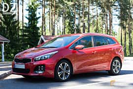 Front/Side  of Kia cee'd_sw 1.6 CRDi Manual, 136ps, 2016