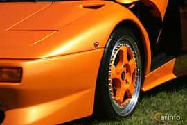 Close-up of Lamborghini Diablo SV 5.7 V12 Manual, 510ps, 1998 at Italienska Fordonsträffen - Krapperup 2017