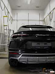 Back of Lamborghini Urus 4.0 V8 AWD Automatic, 650ps, 2018
