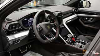 Interior of Lamborghini Urus 4.0 V8 AWD Automatic, 650ps, 2018