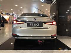 Back of Lexus ES 300h 2.5 ECVT, 218ps, 2019