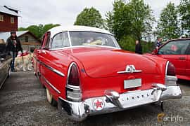 Back/Side of Lincoln Capri Sedan 5.2 V8 Automatic, 208ps, 1954 at Motorträff på Olofsfors Bruk 2019