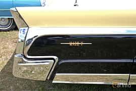 Close-up of Lincoln Continental Mark V Convertible 7.0 V8 Automatic, 319ps, 1960 at Nostalgifestivalen i Vårgårda 2016