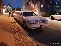 Fram/Sida av Lincoln Town Car 4.6 V8 Automatic, 242ps, 2003