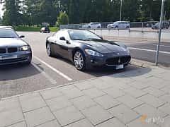 Front/Side  of Maserati GranTurismo 4.2 V8  Automatic, 411ps, 2008