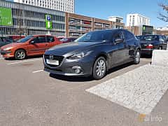 Front/Side  of Mazda 3 Sport 2.0 SKYACTIV-G Manual, 165ps, 2014