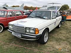 Front/Side  of Mercedes-Benz 300 DT  121ps, 1980 at Old Car Land no.2 2019