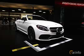 Fram/Sida av Mercedes-Benz AMG C 63 S Cabriolet 4.0 V8 AMG Speedshift MCT, 510ps, 2017 på North American International Auto Show 2017