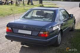 Back/Side of Mercedes-Benz 230 CE Coupé 2.3 Manual, 132ps, 1991 at Tisdagsträffarna Vikingatider v.25 / 2017