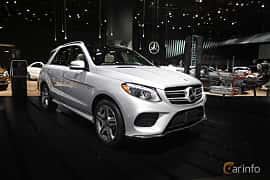 Fram/Sida av Mercedes-Benz GLE 500 e 4MATIC 3.0 V6 4MATIC 7G-Tronic Plus, 442ps, 2017 på North American International Auto Show 2017