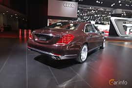 Bak/Sida av Mercedes-Benz Maybach S 500 4Matic 4.6 V8 4MATIC 7G-Tronic Plus, 455ps, 2017 på North American International Auto Show 2017
