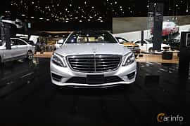 Fram av Mercedes-Benz S 500 e L 3.0 V6 7G-Tronic Plus, 442ps, 2017 på North American International Auto Show 2017