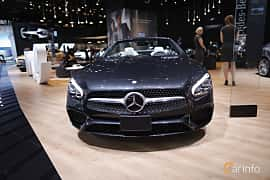 Front  of Mercedes-Benz SL 400 3.0 V6 9G-Tronic, 367ps, 2017 at North American International Auto Show 2017