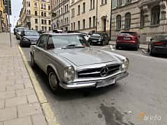 Front/Side  of Mercedes-Benz 280 SL  Automatic, 170ps, 1969