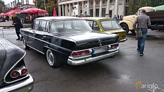 Back/Side of Mercedes-Benz W111 Sedan 1963 at Old Car Land no.2 2018