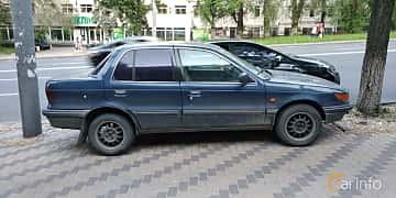 Side  of Mitsubishi Lancer 1991