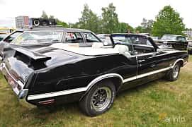Back/Side of Oldsmobile 4-4-2 W-30 Convertible 7.5 V8 Hydra-Matic, 355ps, 1971 at Hässleholm Power Start of Summer Meet 2016
