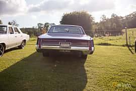 Bak av Oldsmobile 98 4-door Hardtop 7.0 V8 Automatic, 365ps, 1967 på Bil & Mc-café vid Tykarpsgrottan v.33 (2017)