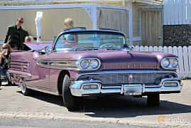 Front/Side  of Oldsmobile Ninety-Eight Convertible Coupé 6.1 V8 Hydra-Matic, 309ps, 1958 at Cruising Lysekil 2018