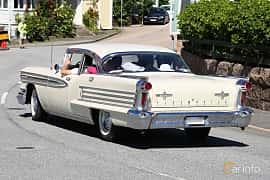Bak/Sida av Oldsmobile Ninety-Eight Sedan 6.1 V8 Hydra-Matic, 316ps, 1958 på Cruising Lysekil 2019