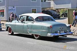 Bak/Sida av Oldsmobile Ninety-Eight Sedan 5.0 V8 Hydra-Matic, 167ps, 1953 på Cruising Lysekil 2019