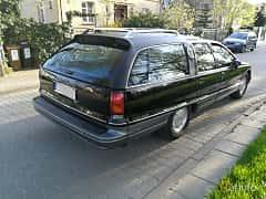 Back/Side of Oldsmobile Custom Cruiser 5.0 V8 Hydra-Matic, 173ps, 1991