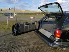 Close-up of Oldsmobile Custom Cruiser 5.0 V8 Hydra-Matic, 173ps, 1991