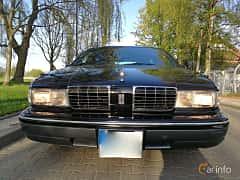 Front/Side  of Oldsmobile Custom Cruiser 5.0 V8 Hydra-Matic, 173ps, 1991