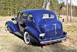 Bak/Sida av Oldsmobile F Series Sedan 3.6 Manual, 90ps, 1936 på Uddevalla Veteranbilsmarknad Backamo, Ljungsk 2019
