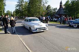 Front/Side  of Oldsmobile Super 88 4-door Sedan 5.0 V8 Hydra-Matic, 167ps, 1953 at Onsdagsträffar på Gammlia Umeå 2019 vecka 28