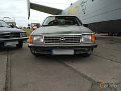 Front  of Opel Senator 3.0 Automatic, 180ps, 1978 at Old Car Land no.2 2017