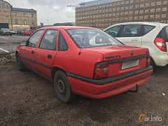 Back/Side of Opel Vectra Sedan 1.7 TD Manual, 82ps, 1994