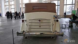 Back of Packard Twelve 1508 Convertible Sedan 7.8 V12 Manual, 177ps, 1937 at Old Car Land no.2 2018