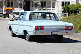 Back/Side of Plymouth Fury I 4-door Sedan 5.2 V8 TorqueFlite, 233ps, 1965 at Cruising Lysekil 2019