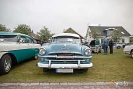 Front  of Plymouth Savoy 4-door Sedan 3.6 Manual, 102ps, 1954 at Veteranbilsträff i Vikens hamn  2019 Maj