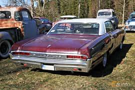 Back/Side of Pontiac Bonneville 4-door Hardtop 6.4 V8 Hydra-Matic, 329ps, 1965 at Uddevalla Veteranbilsmarknad Backamo, Ljungsk 2019
