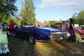 Back/Side of Pontiac Bonneville Convertible 6.6 V8 Hydra-Matic, 269ps, 1967 at Onsdagsträffar på Gammlia Umeå 2019 vecka 30