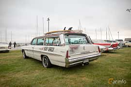 Back/Side of Pontiac Bonneville Safari 6.4 V8 Hydra-Matic, 322ps, 1961 at Veteranbilsträff i Vikens hamn  2019 Maj