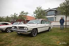 Front/Side  of Pontiac Bonneville Safari 6.4 V8 Hydra-Matic, 322ps, 1961 at Veteranbilsträff i Vikens hamn  2019 Maj