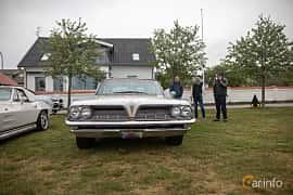 Front  of Pontiac Bonneville Safari 6.4 V8 Hydra-Matic, 322ps, 1961 at Veteranbilsträff i Vikens hamn  2019 Maj