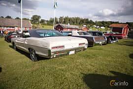 Bak/Sida av Pontiac Catalina Coupé 6.4 V8 Hydra-Matic, 294ps, 1966 på Bil & Mc-café vid Tykarpsgrottan v.33 (2017)