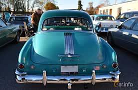 Back of Pontiac Chieftain 4-door Sedan 3.9 Hydra-Matic, 94ps, 1949