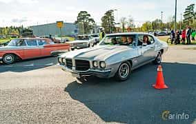 Front/Side  of Pontiac Luxury LeMans Hardtop Coupé 4.1 Manual, 147ps, 1972 at Wheelers Cruising, Vetlanda 2019