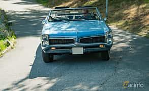 Front  of Pontiac LeMans Convertible 5.3 V8 Hydra-Matic, 289ps, 1967 at Stockholm Vintage & Sports Car meet 2019