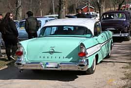 Bak/Sida av Pontiac Star Chief Catalina Sedan 5.7 V8 Hydra-Matic, 273ps, 1957 på Uddevalla Veteranbilsmarknad Backamo, Ljungsk 2019