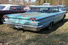 Bak/Sida av Pontiac Star Chief 6.4 V8 Hydra-Matic, 218ps, 1960 på Uddevalla Veteranbilsmarknad Backamo, Ljungsk 2019